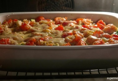 Lure your family to the table with the smell of piping-hot, easy ground beef casserole recipes teamed with rice, noodles, potatoes, or even crescent rolls!