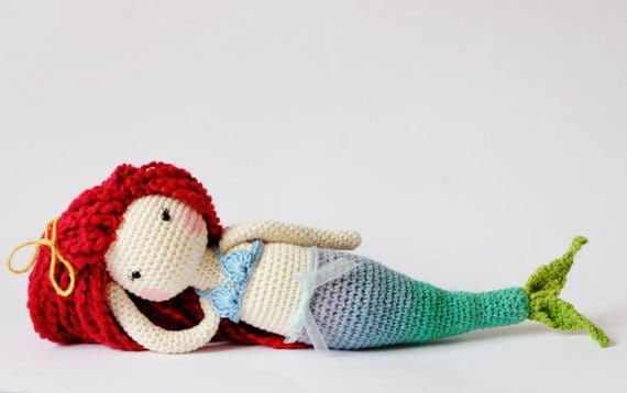 Amigurumi mermaid doll crochet pattern