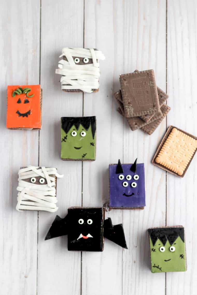 Easy Halloween Decorated Sandwich Cookies