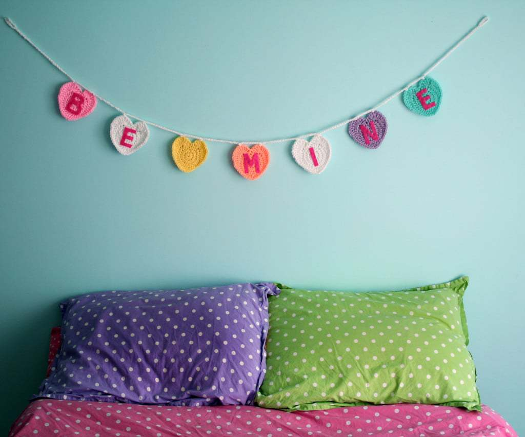 Free Pattern: Conversation Heart Garland