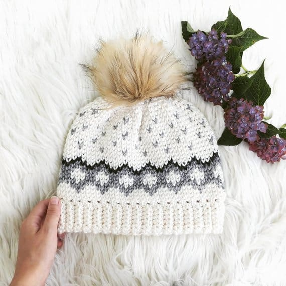 This tapestry beanie crochet pattern is so CUTE and the pattern is simple enough for beginners to follow!