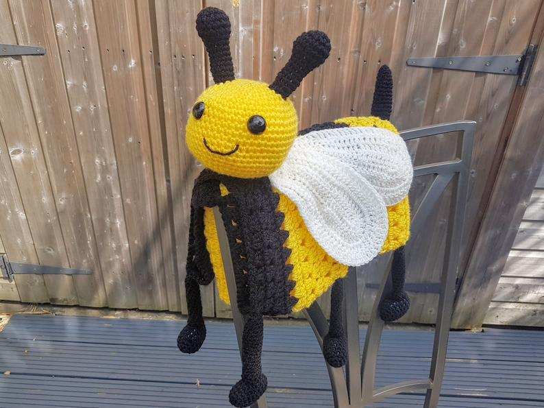 Bumble Bee Blanket Crochet Pattern