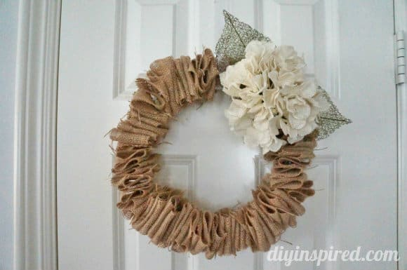Christmas Burlap Wreaths 8