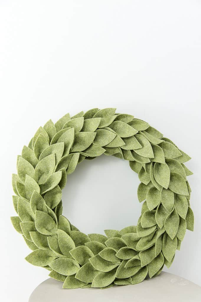 Beautiful Felt Christmas Greenery Wreath