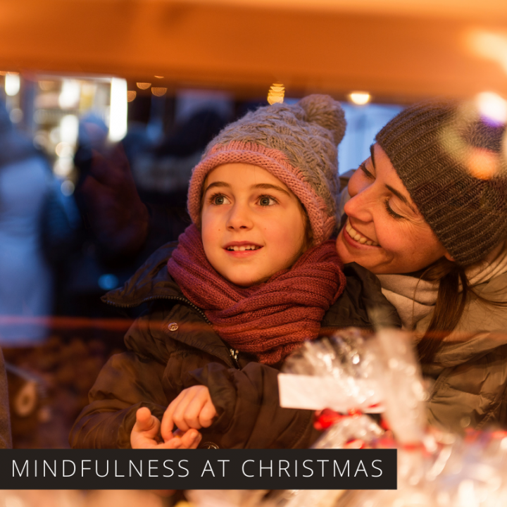 The Holidays can be so chaotic and stressful, so find out how mindfulness can help you have a happier Christmas making memories to be grateful for.