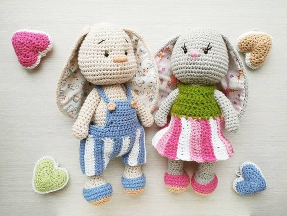 Crochet Bunnies in Love