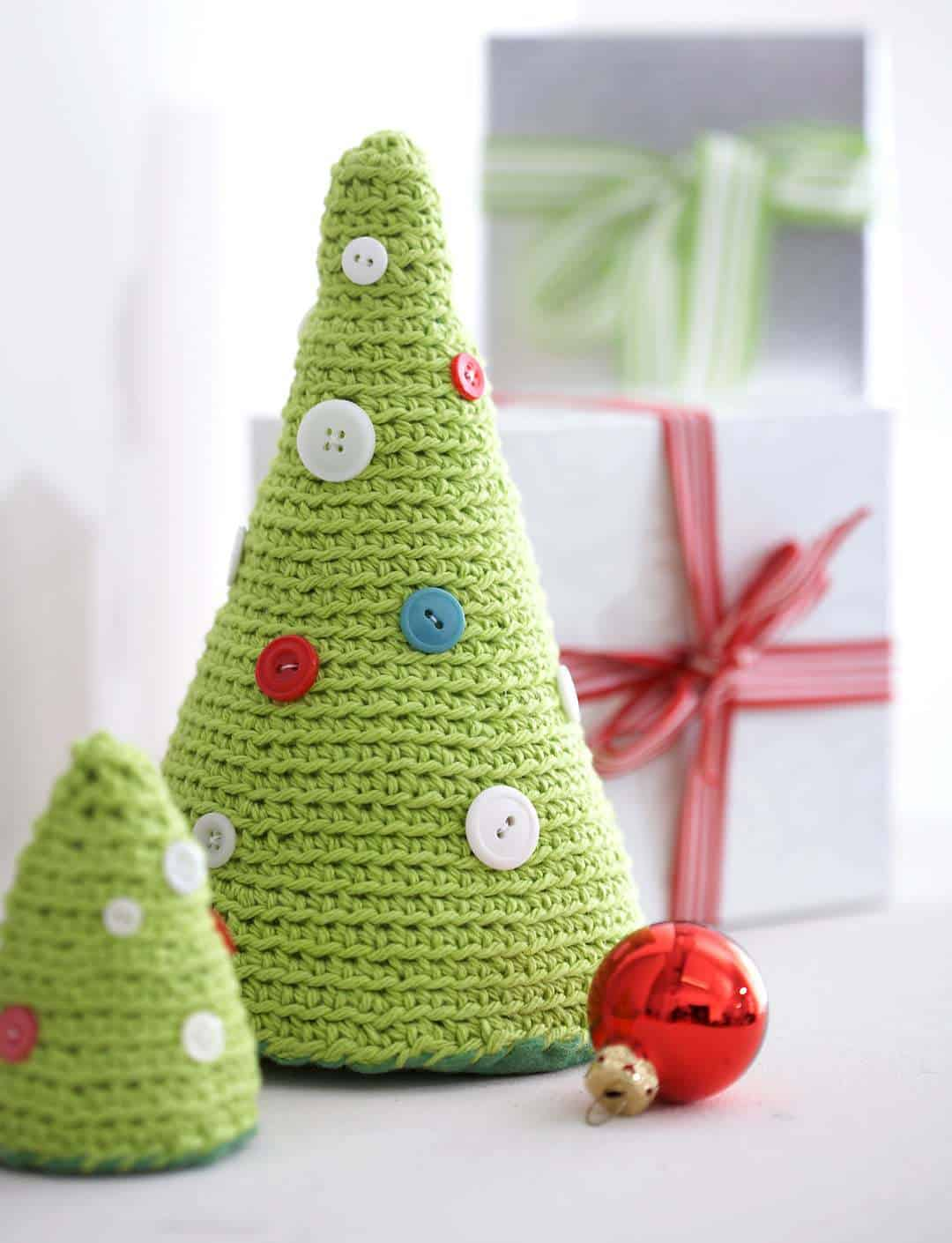 Crochet Christmas Tree Mantel Decor Pattern
