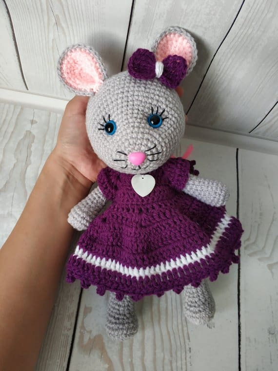 Crochet Mouse in a Dress Pattern