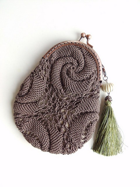 Escargot chocolate purse