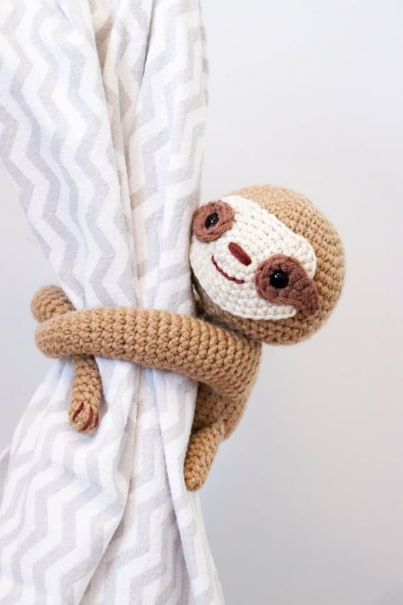 Crochet sloth curtain tie back pattern