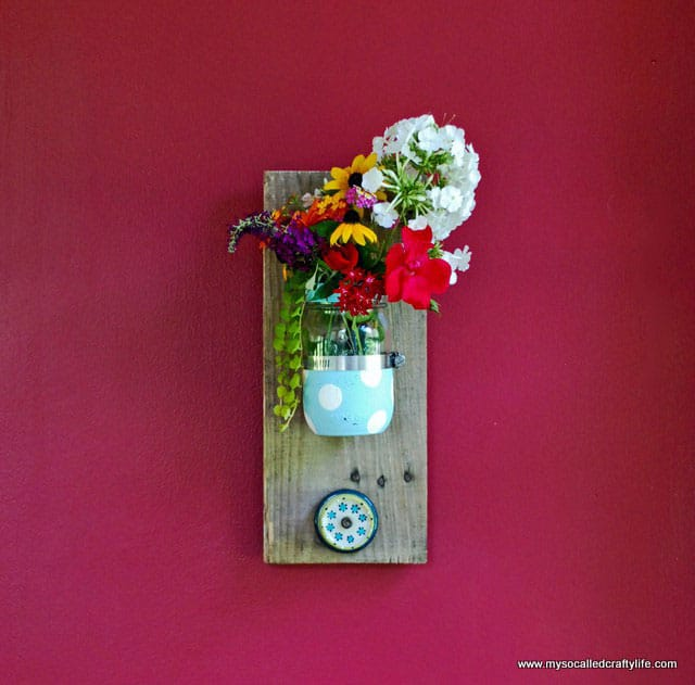 DIY Mason Jar Reclaimed Wood Wall Hanging