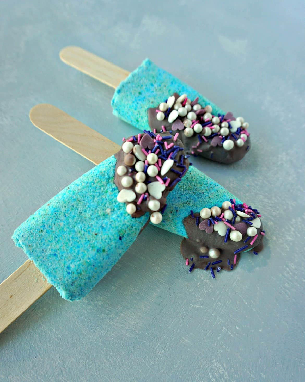DIY Mermaid Bath Bomb Popsicles with Sparkle Dip