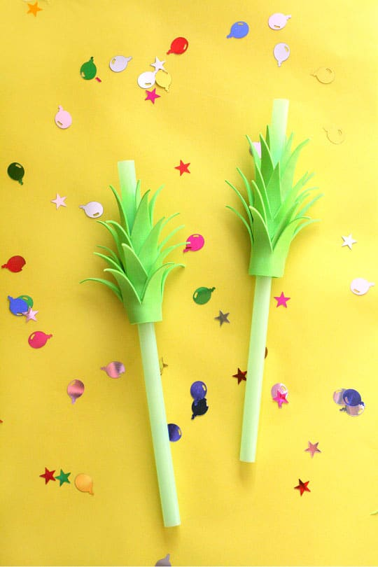 DIY Pineapple Drinking Straws