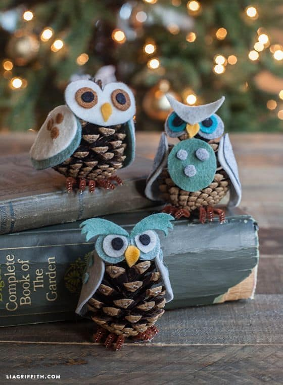 DIY Pinecone Owls