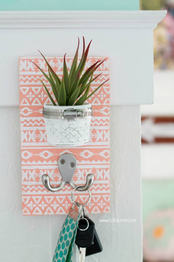 Loving this DIY Succulent Keyholder!