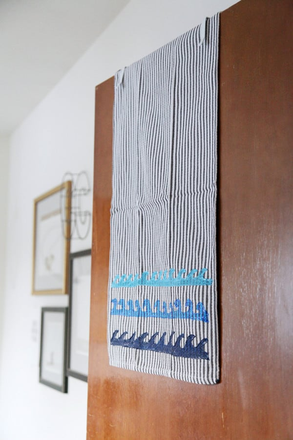 DIY Ombre Wave Kitchen Towel