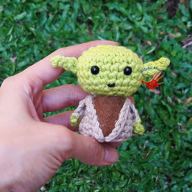 Mini Star Wars Yoda Keychain Charm