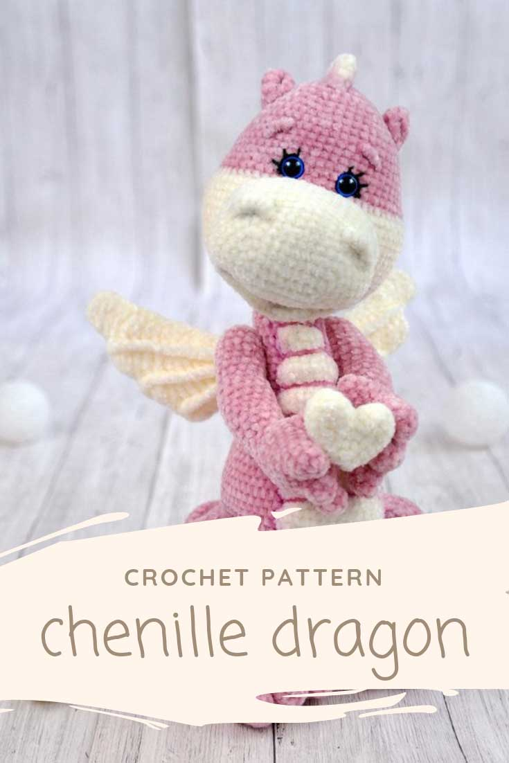 This crochet dragon is so ADORABLE and would be a fabulous Valentine's Day gift!