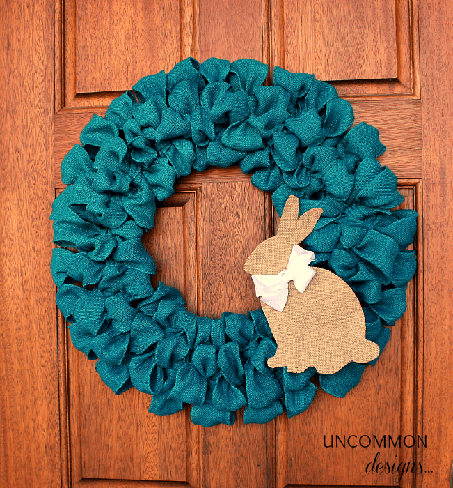 Easy DIY Burlap Wreaths That Will Make Your Neighbors Jealous!