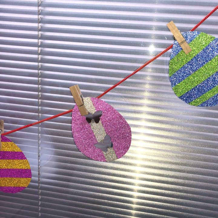 Make your own Easter egg garland with washi tape