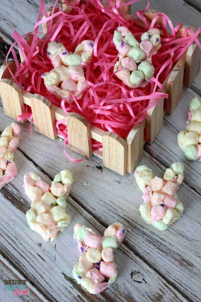 Easy Marshmallow Bunny Bark Recipe for Easter! - Must Have Mom