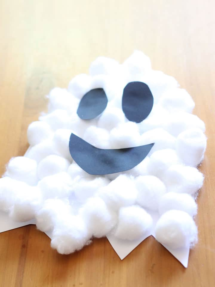 Easy Craft for Halloween - Cotton Wool Ghost - Oh these have to be the most adorable little ghosts!