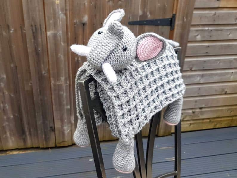 Elephant folded blanket crochet pattern
