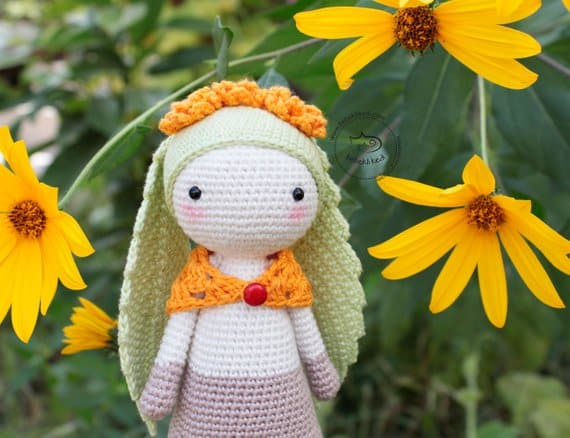Flory the Leaf-eared Bunny Crochet Pattern