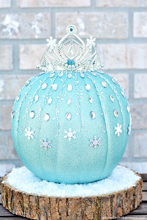 Frozen inspired Elsa pumpkin for Halloween