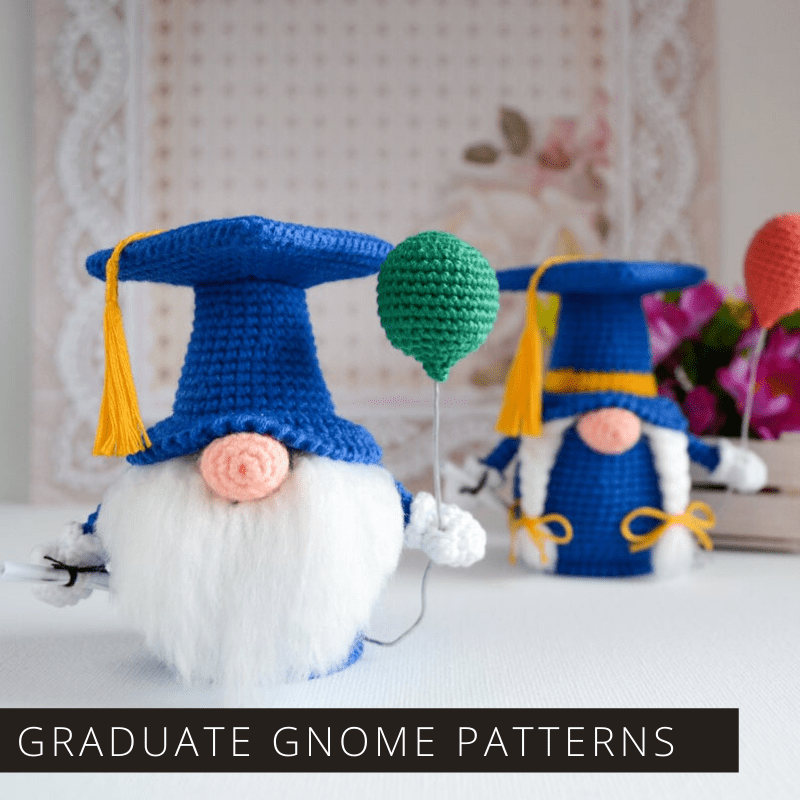 How cute are these little Scandinavian gnomes? They make the perfect handmade gift for your graduate - especially if you crochet them in their school colors! Click through to download the pattern.