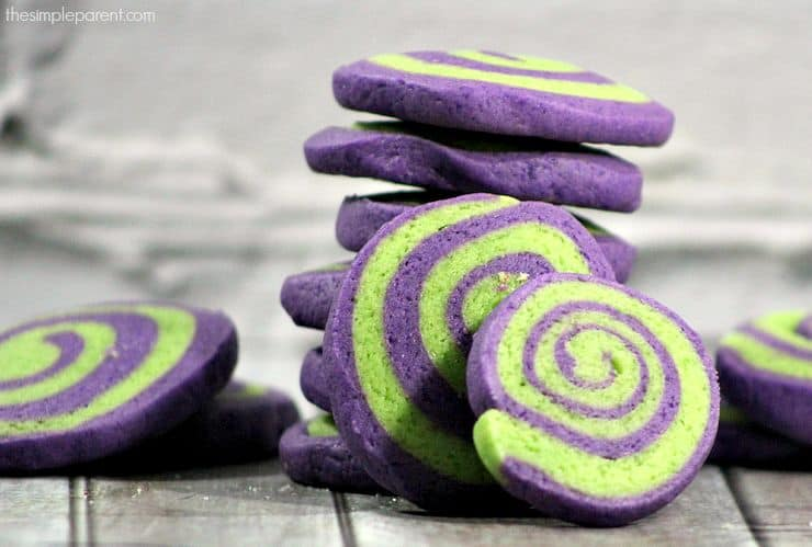 Purple and green just screams monster so these Halloween cookies are brilliant!
