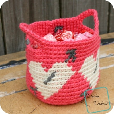 Heart Basket free crochet pattern by DivineDebris.com