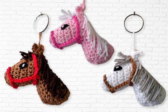 Horse head keychain crochet pattern