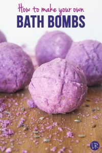 This DIY bath bomb recipe is super simple and smells AMAZING!
