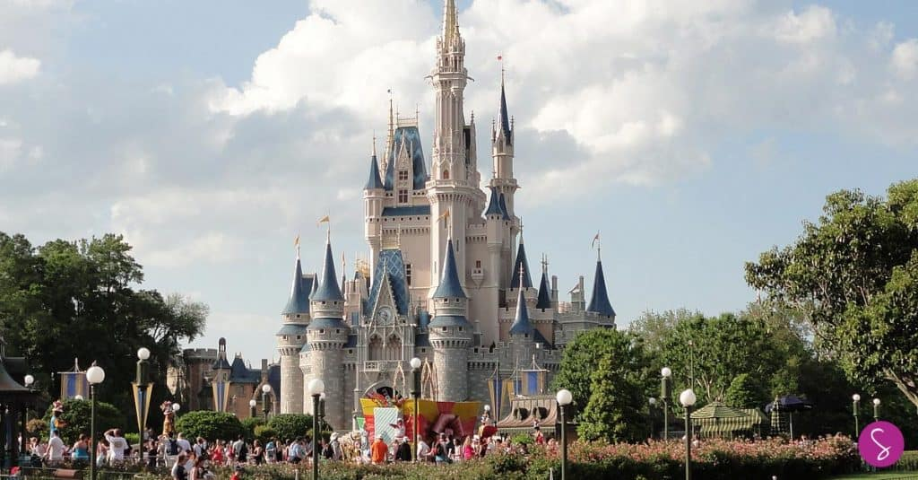The Secret Entrances to Disney World will Save you Time