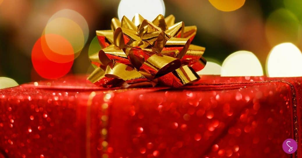 How to Save Money on Christmas Gifts Without Leaving the House