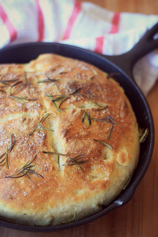 Easy No-Knead Skillet Bread | Cast Iron Skillet Bread Recipes | Vegan | Yeast Bread