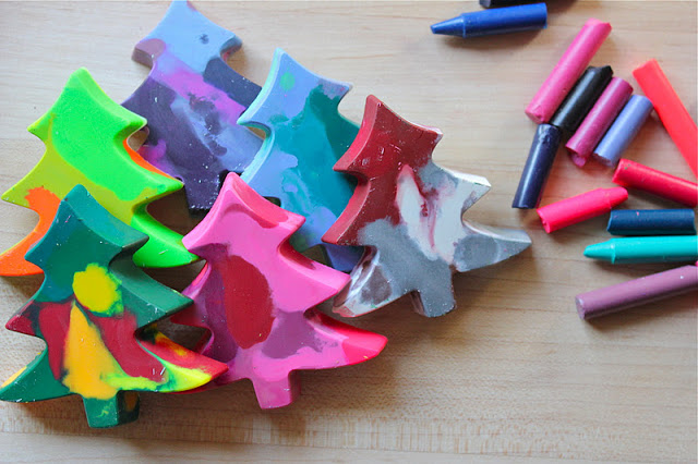 We LOVE crafts that turn into gifts! These Christmas Tree shaped crayons would make great stocking fillers or party favours!
