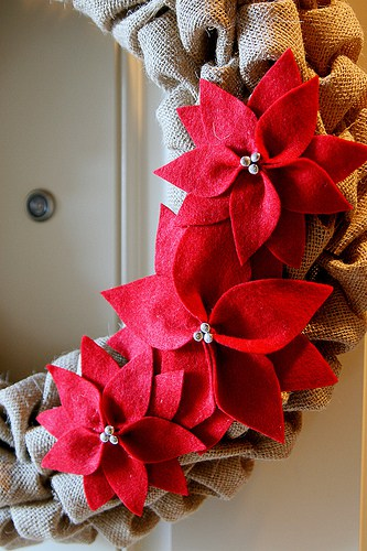 Make Burlap Wreath Christmas 4