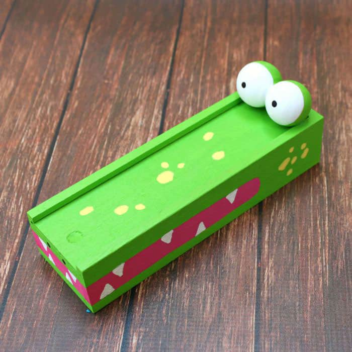 Make an Alligator Pencil Case