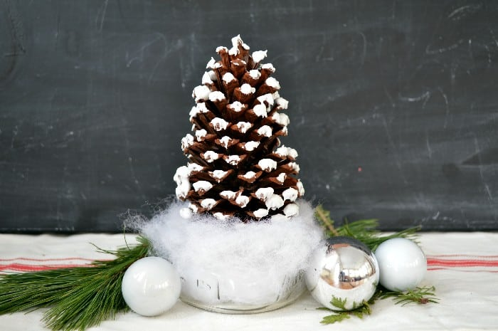 Mason Jar Pinecone Christmas Tree