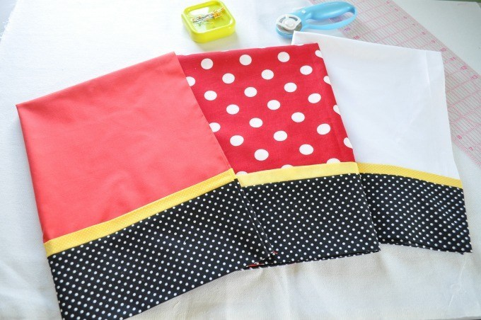 Mickey & Minnie Inspired Super Simple Pillowcases