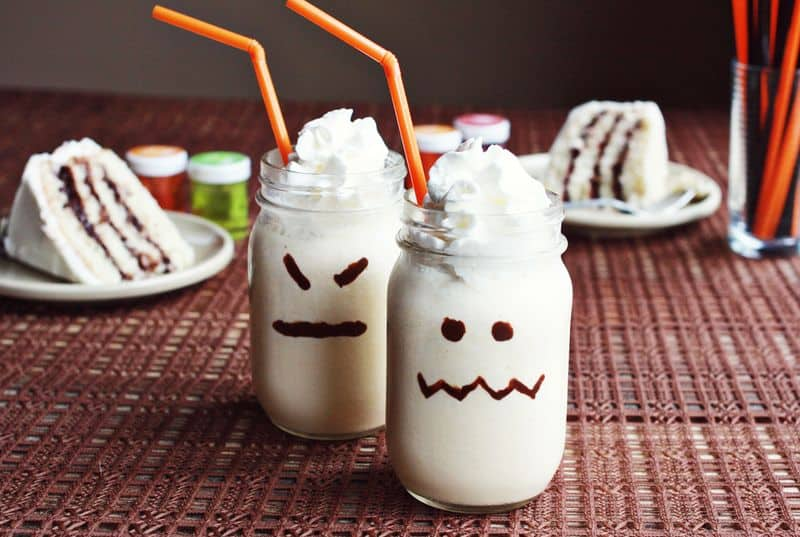 Halloween Milkshakes: 3 Ways - What do you do when you really want to make Halloween Milkshakes but your kids just love plain and simple vanilla?