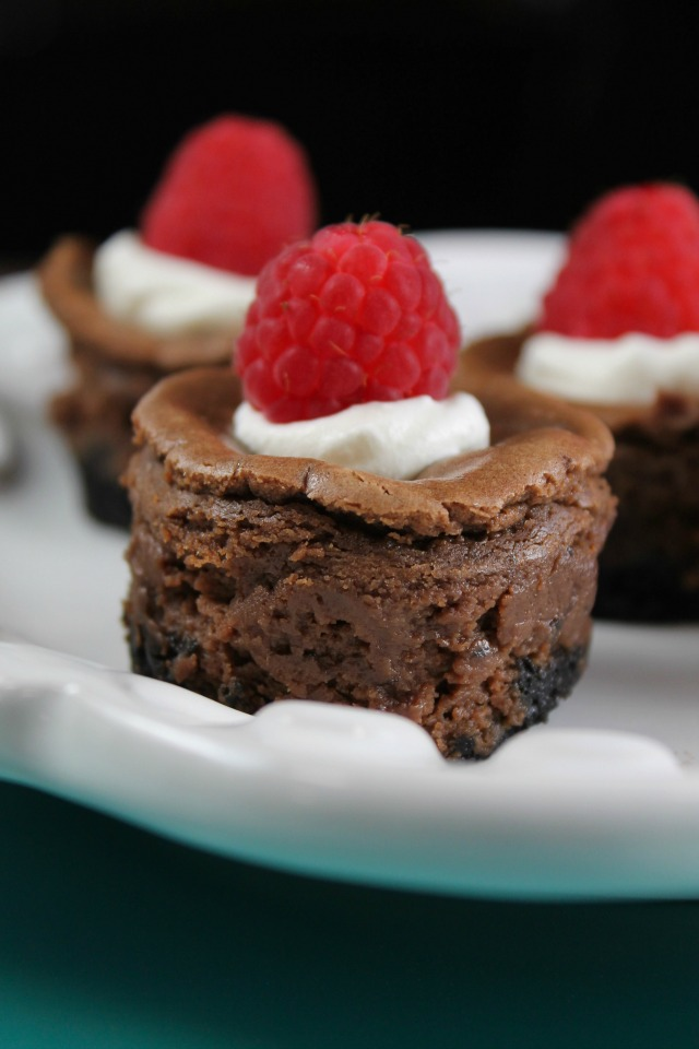 These mini chocolate cheesecakes have an Oreo cookie crust and can be garnished with your favourite topping to make a delicious bite-sized dessert!