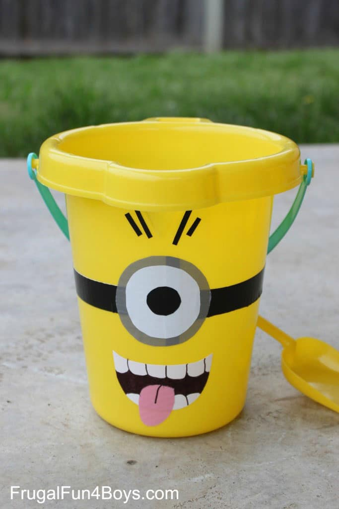 Minion Sand Buckets with Free Printable Pattern