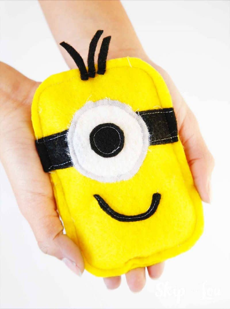Easy DIY Minion Hand Warmers