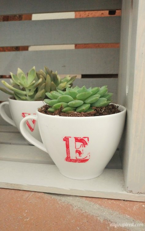 Frugal Craft | Upcycle | Repurpose | Thrift Store Craft | Valentine