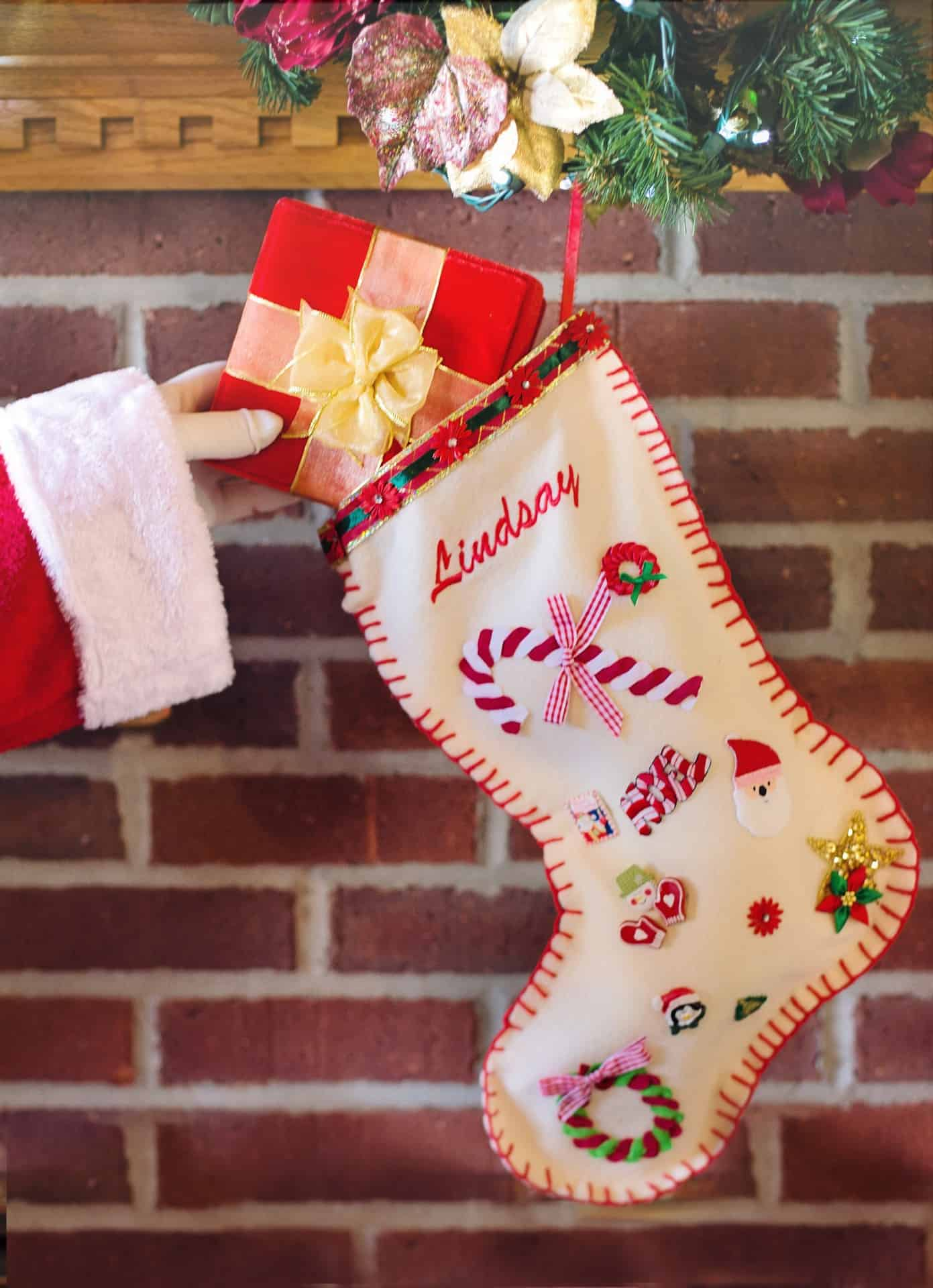 Loving these Christmas stocking craft kits!