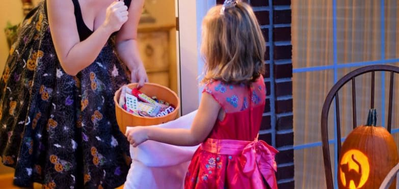 Reusable trick or treat bags are so much easier to carry than an old pillowcase!
