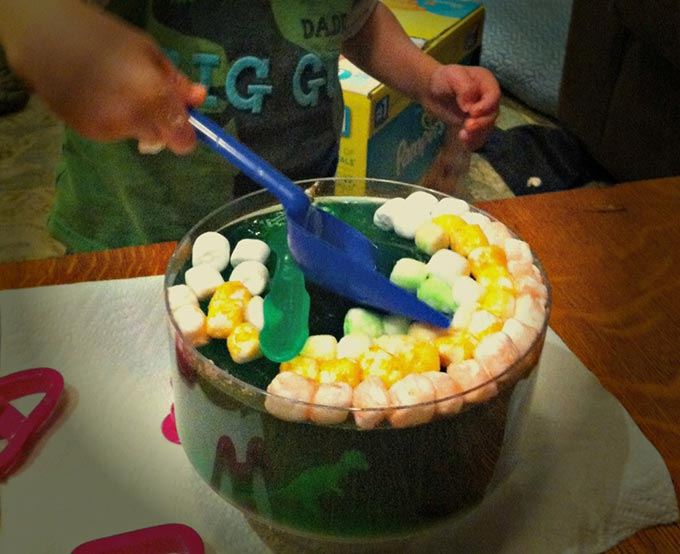 St. Patrick's Day Jello Pot of Gold Sensory Activity - Mommy's Bundle
